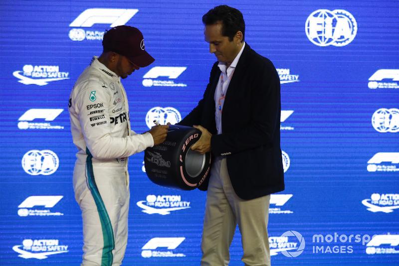 Lewis Hamilton, Mercedes AMG F1, receives his Pirelli Pole Position award