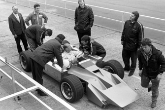 Mike Costin, Cosworth 4 ruedas motrices F1, diseñador Robin Herd