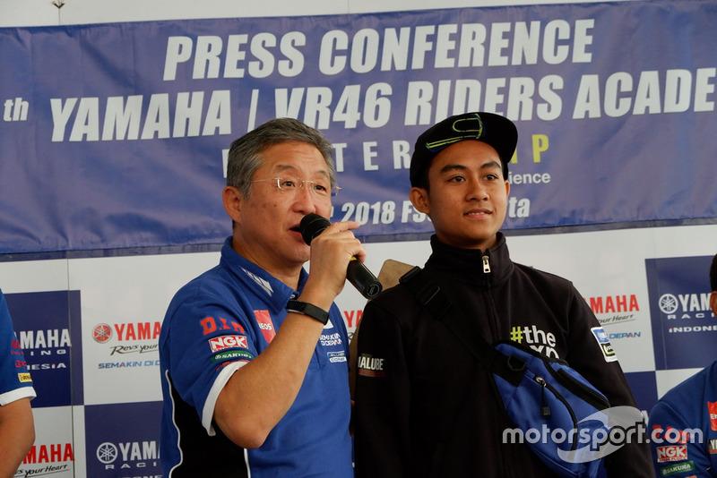 Minoru Morimoto, Presiden Direktur PT. Yamaha Indonesia Motor Manufacturing (YIMM) dan M Faerozi, Yamaha Racing Indonesia