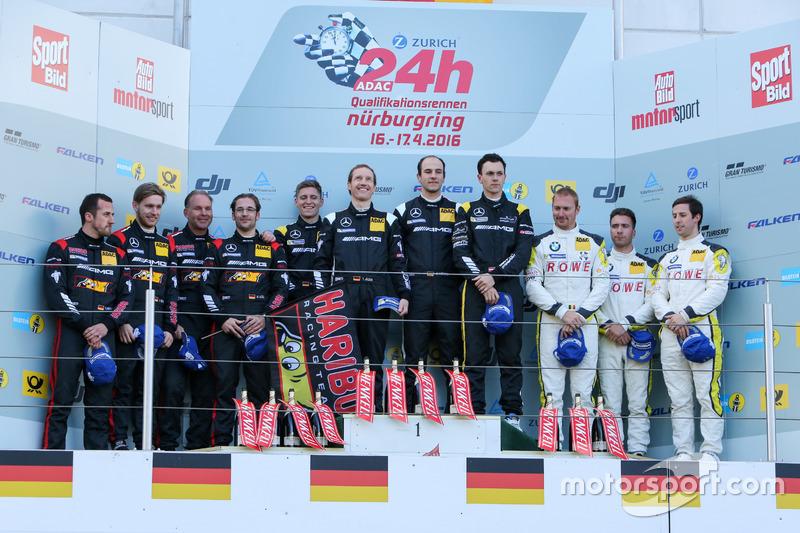 Die Sieger des Qualifikationsrennens an der Nordschleife 2016