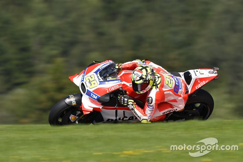 2016: Andrea Iannone (Ducati) con 1: 23.142 minutos.
