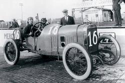 Yarış galibi Jules Goux, Peugeot