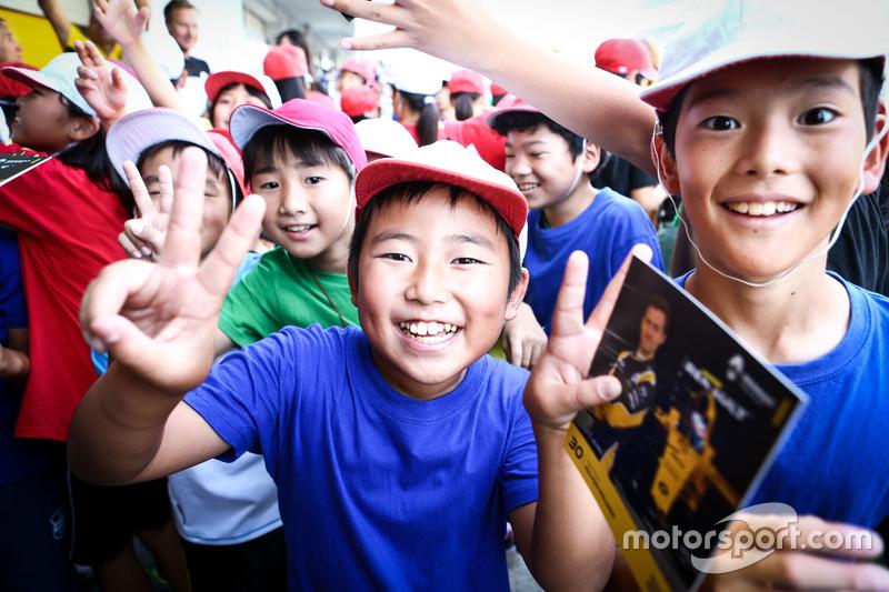 Fans jóvenes de Renault Sport F1 Team