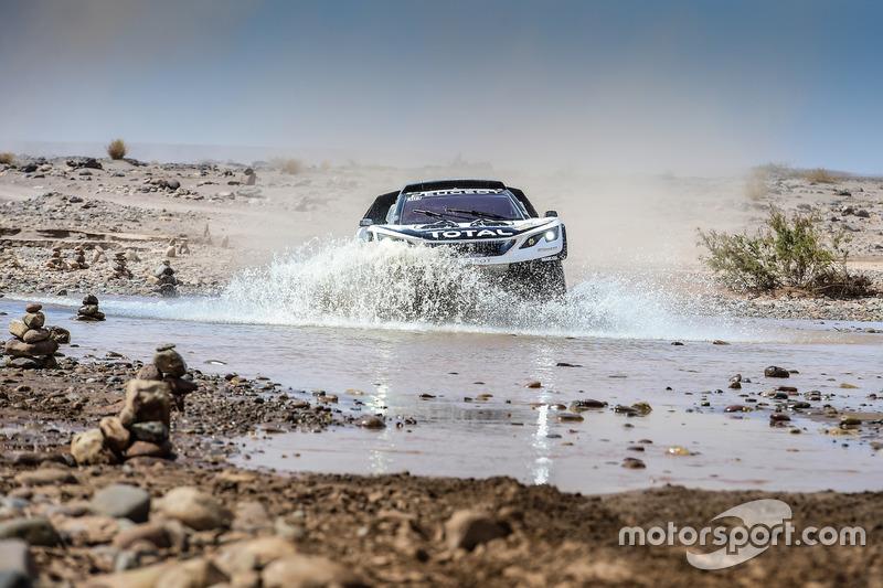 #304 Peugeot Sport, Peugeot 3008 DKR: Carlos Sainz, Lucas Cruz