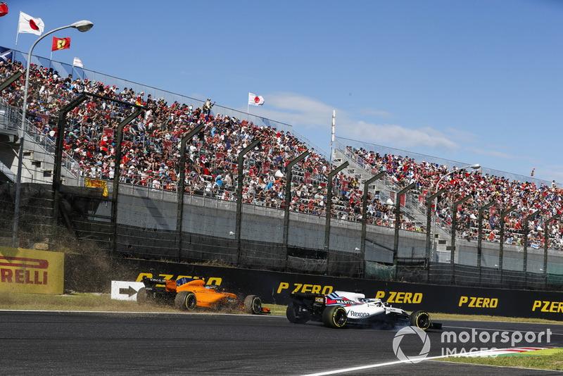 Фернандо Алонсо, McLaren MCL33, и Лэнс Стролл, Williams FW41