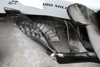 Haas F1 Team VF-18 bargeboard detail