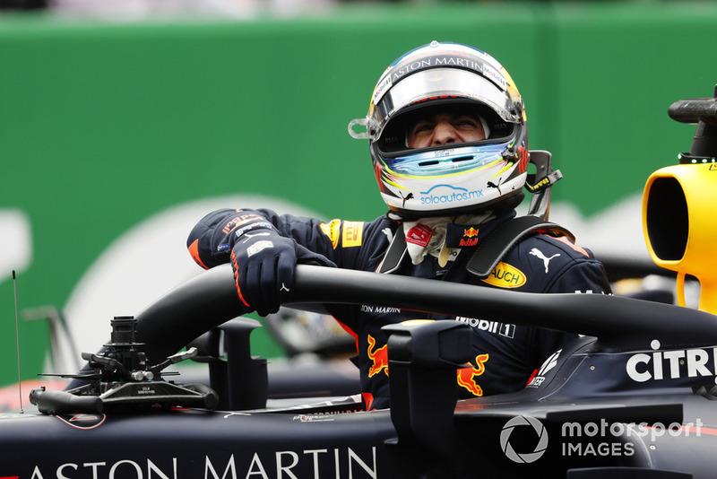 Daniel Ricciardo, Red Bull Racing RB14, fête sa pole position