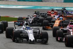 Естебан Окон, Sahara Force India F1 VJM10, Феліпе Масса, Williams FW40, Фернандо Алонсо, McLaren MCL32, Kevin Magnussen, Haas F1 Team VF-17