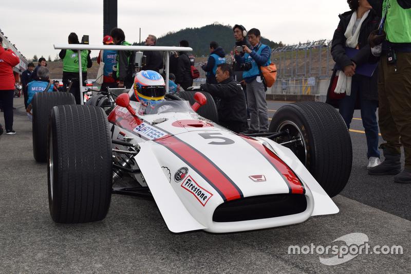 Fernando Alonso, RA30
