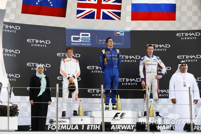 Podio: ganador de la carrrea Alex Lynn, DAMS; segundo lugar Johnny Cecotto Jr., Rapax; tercer lugar Sergey Sirotkin, ART Grand Prix