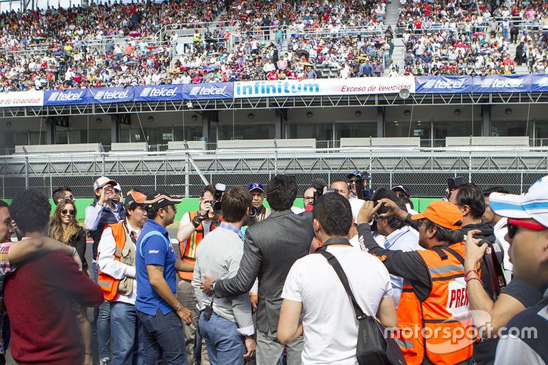 Jimmy Morales director de la serie Nascar México Y Daniel Suárez Grand Marshall de la carrera