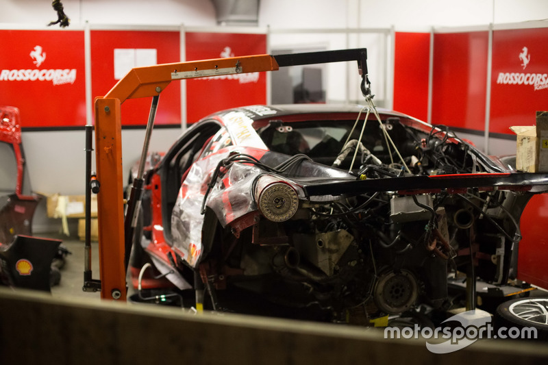 Coche Ferrari Challenge después del choque