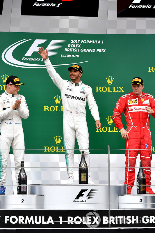 Valtteri Bottas, Mercedes AMG F1, Lewis Hamilton, Mercedes AMG F1 , Kimi Raikkonen, Ferrari celebran en el podio