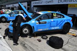 Mecánico del Volvo de Thed Bjork, Polestar Racing