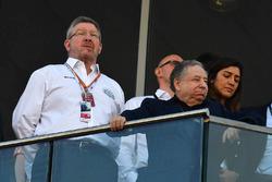 Управляющий директор Motor Sports Росс Браун и президент FIA Жан Тодт