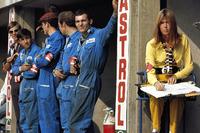 Mecánicos de Marta y Helen esposa de Jackie Stewart