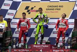 Podium: race winner Valentino Rossi, Aprilia, second place Carlos Checa, Yamaha, third place Max Bia