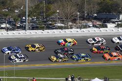 Chase Elliott, Hendrick Motorsports Chevrolet Camaro and Alex Bowman, Hendrick Motorsports Chevrolet Camaro
