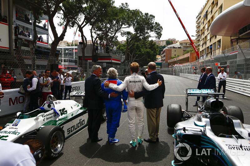 Chase Carey, Chairman, Formula Uno, Keke Rosberg, Campione del Mondo 1982, Nico Rosberg, Campione del Mondo 2016 e il Principe Alberto di Monaco, in griglia