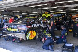 Martin Truex Jr., Furniture Row Racing, Toyota Camry 5-hour ENERGY/Bass Pro Shops, crew