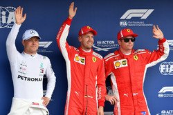 Valtteri Bottas, Mercedes-AMG F1, polesitter Sebastian Vettel, Ferrari en Kimi Raikkonen, Ferrari