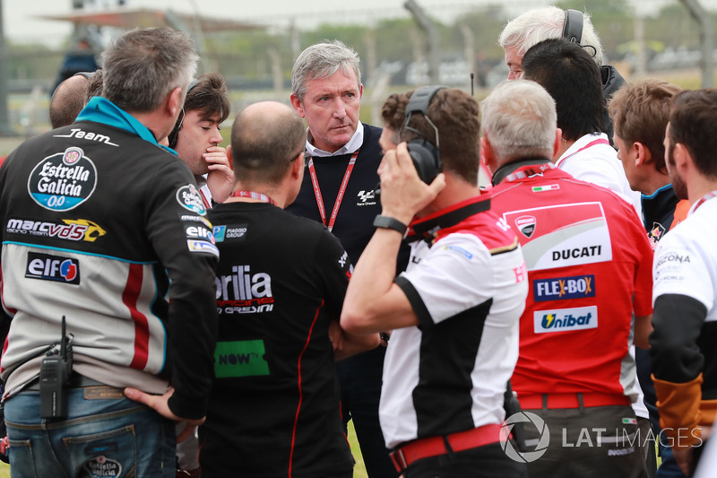 Mike Webb with team bosses