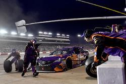 Denny Hamlin, Joe Gibbs Racing, Toyota Camry FedEx Ground pits