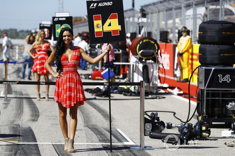 Chica de la parrilla Fernando Alonso, McLaren