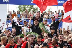Winners Ott Tanak, Martin Järveoja, Toyota Yaris WRC, Toyota Gazoo Racing, Tommi Makinen