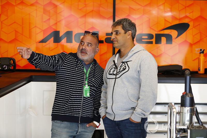 Хуан Пабло Монтойя у боксах McLaren