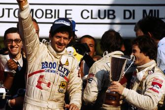 1. und Weltmeister Jody Scheckter, Ferrari, 2. Gilles Villeneuve, Ferrari