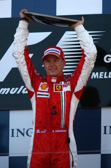 Podium: race winner Kimi Raikkonen, Ferrari