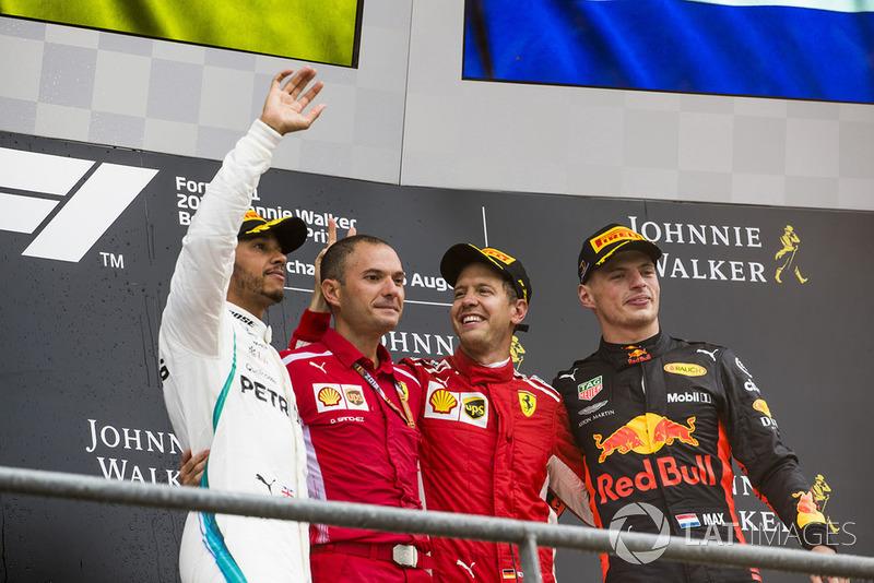 Lewis Hamilton, Mercedes AMG F1, David Sanchez, Ferrari, Sebastian Vettel, Ferrari, y Max Verstappen, Red Bull Racing