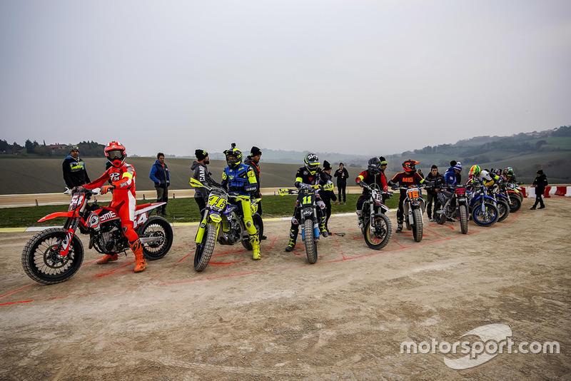 Mattia Pasini, Valentino Rossi, Nicolo Bulega, Marco Bezzecchi, Andrea Migno and others at the start line