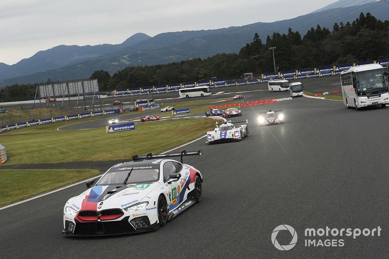 #81 BMW Team MTEK BMW M8 GTE: Martin Tomczyk, Nicky Catsburg with circuit safari bus