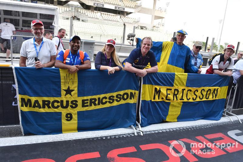 Tifosi di Marcus Ericsson, Sauber, con bandiere