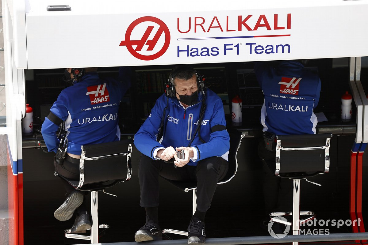 Gunther Steiner, Team Principal, Haas F1, on the pit wall