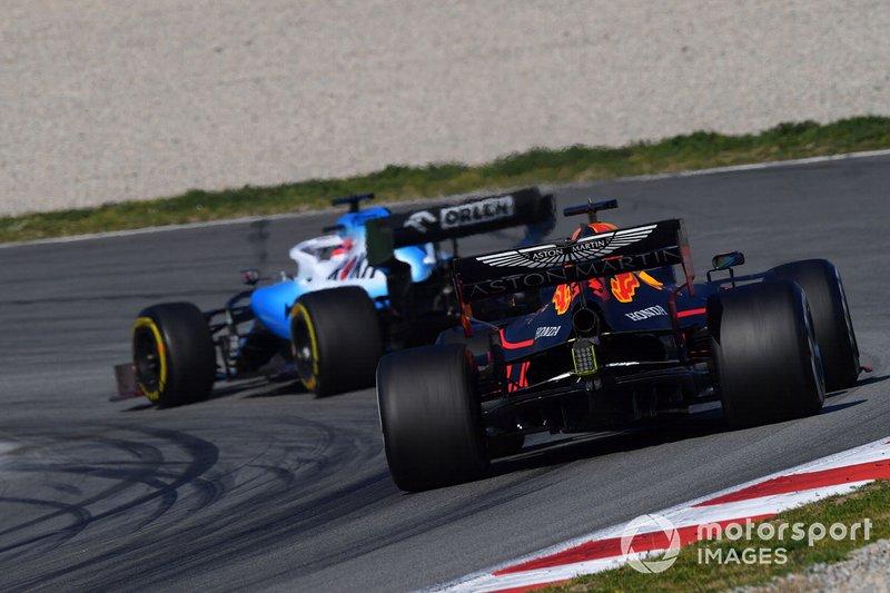 Max Verstappen, Red Bull Racing RB15 segue Robert Kubica, Williams FW42