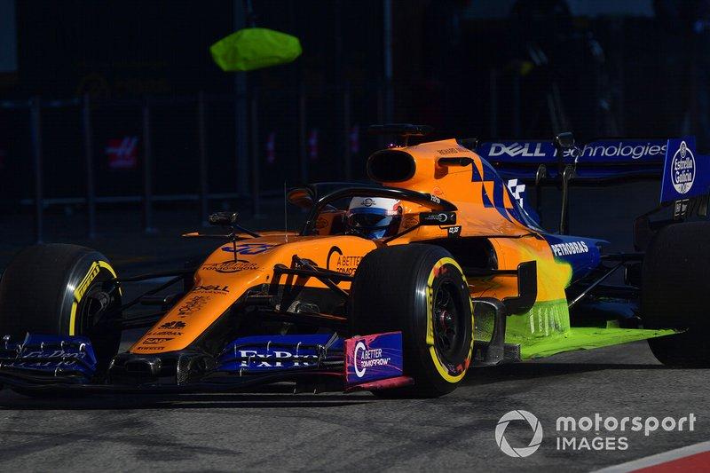 Carlos Sainz Jr., McLaren MCL34 with aero paint
