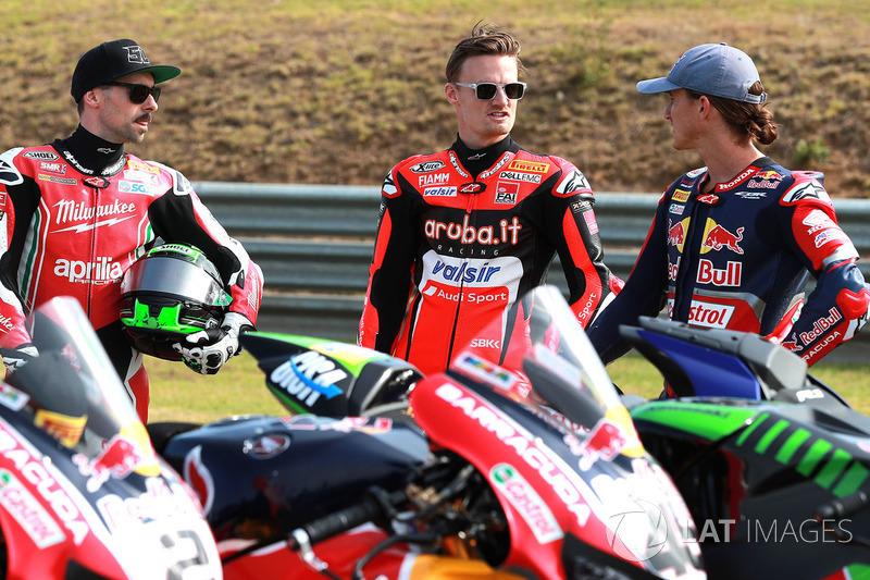 Eugene Laverty, Milwaukee Aprilia; Chaz Davies, Aruba.it - Ducati SBK; dan Jake Gagne, Red Bull Honda