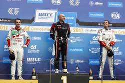 Podium: Race winner Rob Huff, All-Inkl Motorsport, Citroën C-Elysée WTCC, second place Norbert Michelisz, Honda Racing Team JAS, Honda Civic WTCC, third place Tom Chilton, Sébastien Loeb Racing, Citroën C-Elysée WTCC