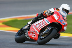 Michael Schumacher auf der MotoGP-Ducati von Casey Stoner