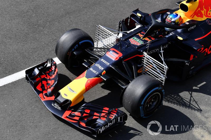 Daniel Ricciardo, Red Bull Racing RB14, con una griglia di sensori
