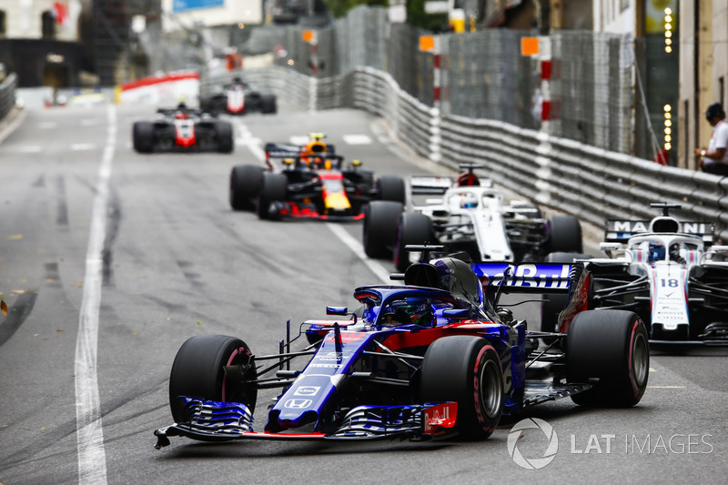 Brendon Hartley, Toro Rosso STR13, Lance Stroll, Williams FW41, Marcus Ericsson, Sauber C37, y Max Verstappen, Red Bull Racing RB14