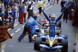 Ganador de la carrera Giancarlo Fisichella, Renault F1 Team R25