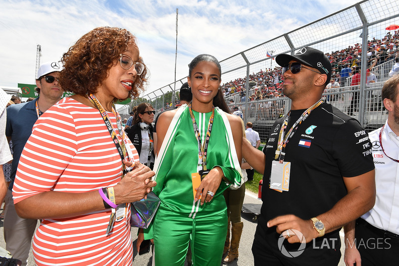 Gayle King, conduttrice TV, Russell Wilson, Quarterback dei Seattle Seahawks, in griglia