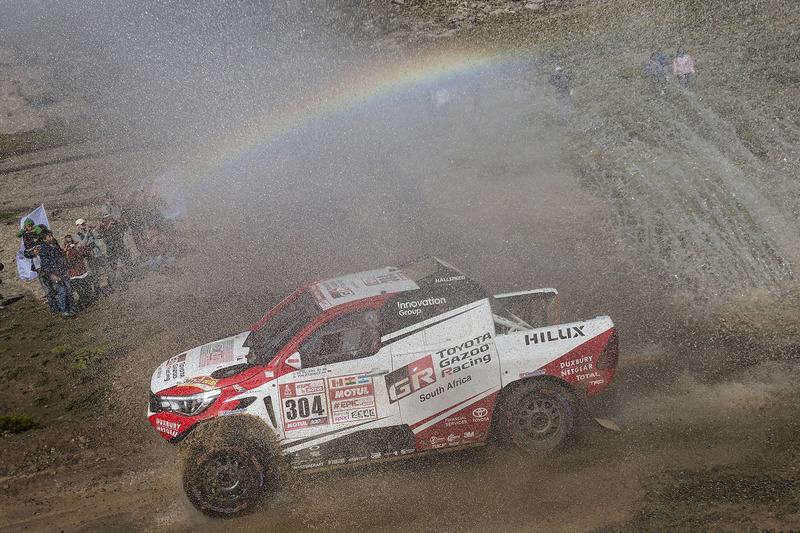 #304 Toyota Gazoo Racing Toyota Hilux: Жінель де Вільєр, Дрік фон Цітцевітц