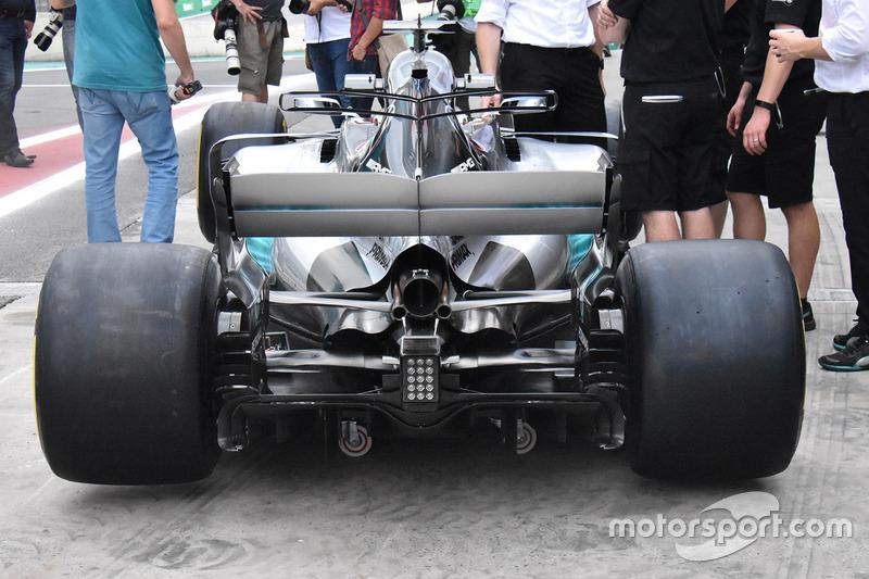 Mercedes W08: Heckpartie