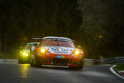 #31 Frikadelli Racing Team Porsche 991 GT3R: Marco Seefried, Laser Felipe Fernández, Matt Campbell