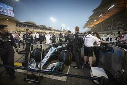 Valtteri Bottas, Mercedes AMG F1 W09, in griglia